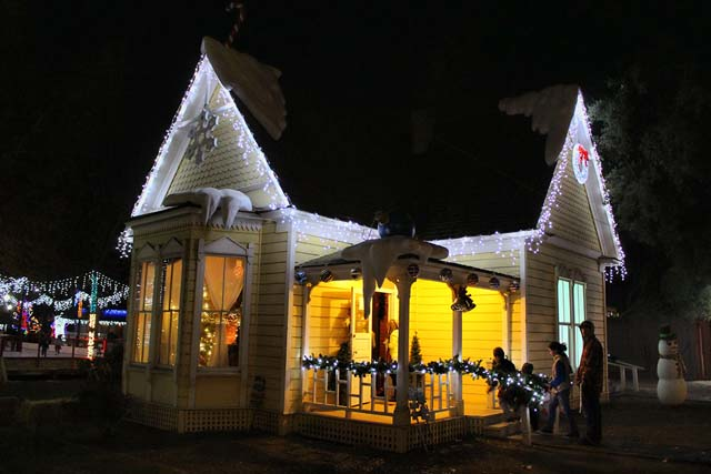 Bakersfield Christmas Town - A holiday experience for all ages
